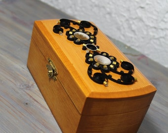 Black and gold quilled wooden box/quilled flowers/quilled black flowers/trinket box/home décor