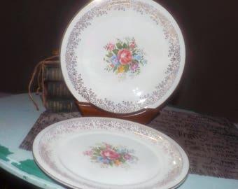 Mid-century (1950s)  Georgian China | Homer Laughlin Devon Rose rimmed dinner plate.  22K-gold edge, centrer flowers, filigree border.