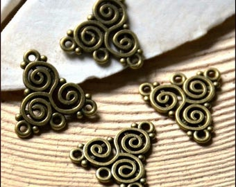 """4 connectors Triangles pattern """"Celtic"""" 3 rows 20 x 19.5 mm Metal Bronze"""