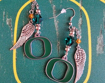 Winged Oregon Ducks Earrings