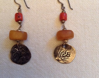 Morocco earrings, antique amber.