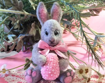 Needle Felted Mini Easter Bunny with a pink embroidered egg-Easter Decoration-Mini Bunny
