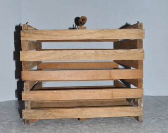 Wood Egg Crate ~ Primitive Crate ~ Rustic Decor ~ Farmhouse ~ Country