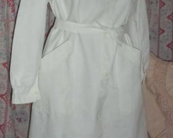 Vintage work blouse, LA SAMARITAINE, nurse, school,