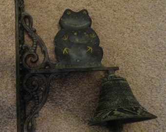 Cast Iron Frog Bell, Welcome, Dinner Bell, Cast Iron Wall Decorative Bell, Wall Decor, Vintage Cast Iron, Country Decor, Rustic Decor