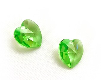 18mm Peridot Swarovski Heart Beads. 6202 Swarovski Hearts. Jewelry Making Supplies. Green Crystal Heart Pendants. 18mm Faceted Crystal Beads