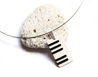 Piano necklace String pendant Black and white Musicians gift Music jewelry Keyboard necklace Musical jewelry Music necklace Music instrument