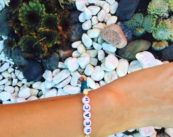 Boho Bracelet Beach with wooden beads and shells