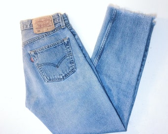 Vintage 80's | Levi's 501 jeans / High waisted cropped Levi's jeans / Washed blue straight leg vintage jeans | W28 L27