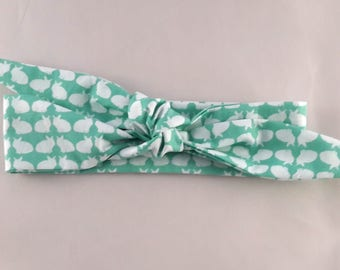 Headband tie pattern green and white bunnies