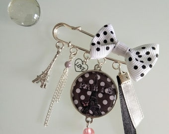Pretty brooch with cabochon resin 25mm Paris black and white