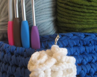 Crochet pompom on lobster clasp, bag accessory
