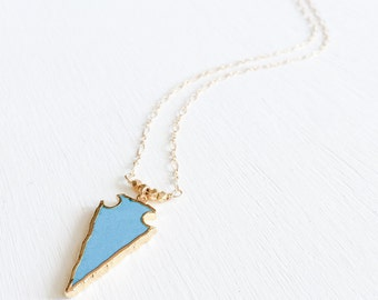 Her Native Side - Turquoise-howlite 24k gold electroplated arrowhead necklace.