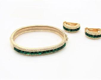 Pretty Vtg Gold Tone Hinged Bangle & Clip Earrings w/Green and Crystal Stones