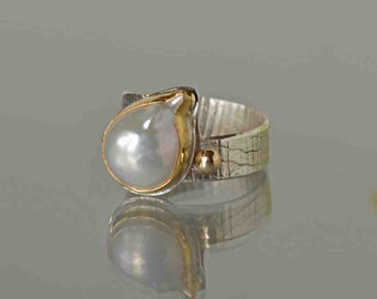 Baroque Pearl Ring in Gold and Silver, Large Pearl Ring, White Baroque Pearl Ring, June Birthstone Ring, Statement Pearl Ring, Made to Order
