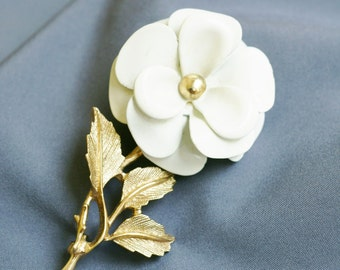 Avon Flower Brooch Pin, Gold Tone with White Enamel, Three Layers of Petals