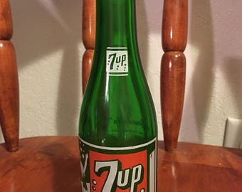Vintage collectible 1950's 7Up soda bottle- Tucson AZ bottling company- you like it, it likes you!-  chip free *FREE SHIPPING*