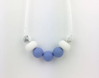 """Teething Necklace """"Aria"""", silicone, breastfeeding necklace, teething jewellery, fiddle beads, blue, white, marble, for mum"""