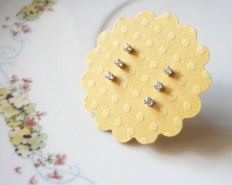 winzige Ohrstecker Ohrring-Set von 3, 1. 2. 3. Ohrlochstechen, 1,5 mm 1, 75 mm 2mm klar weiß Edelsteine, Sterling Silberohrringe