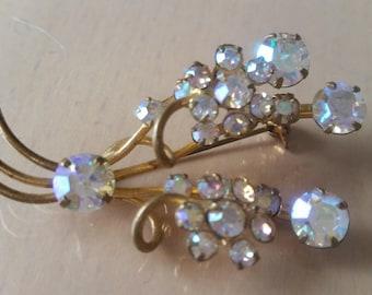 Vintage 1960's gold tone aurora borealis glass crystals flower bouquet brooch