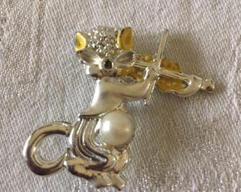 Vintage Yelow Enamel Cat and the Fiddle Brooch