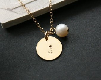 Single Disk with Pearl in GOLD FILLED - engraved necklace,  wedding gift, romantic birthday gift, for mom daughter, friendship, for wife