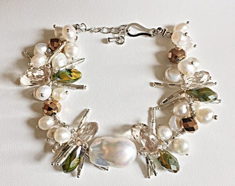 Freshwater Cultured Pearl and crystals bracelet