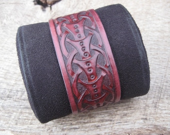 Mens Leather Cuff Bracelet Hand Tooled with a Viking/Norse design, custom made to order. Free shipping.