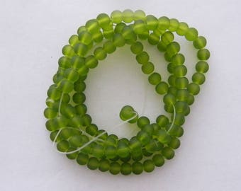 142 Green frosted glass beads B163