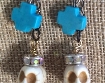 Day of the Dead skull earrings.....