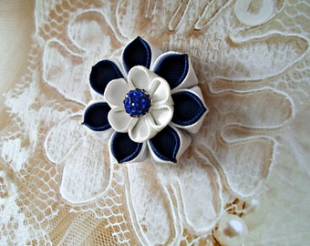 Kanzashi. Kanzashi Fabric Flowers. Shades of blue.Set of 2 hair clips.White and blue. Clip with Shamballa