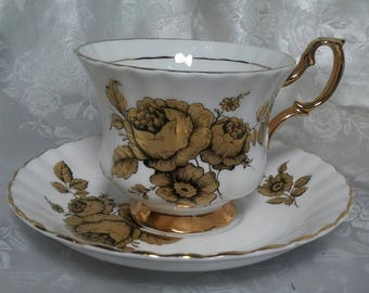 Royal Castle Fine Bone China (1) Cup & Saucer Set Made in England