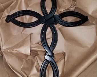 Horseshoe Art, Cross