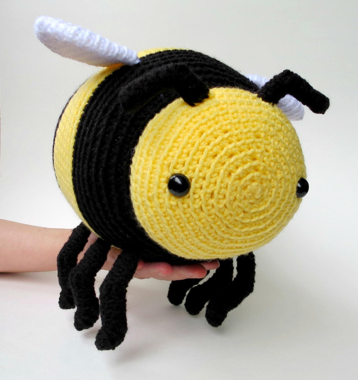 Large amigurumi bee pattern - crochet bumble bee, crochet stuffed ...