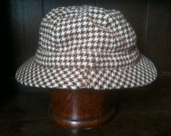 Vintage English Houndstooth Cap Hat size 53 circa 1960-70's / English Shop