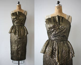 vintage 1980s dress / 80s gold lame dress  / 1980s does 1940s dress / 80s gold cocktail dress / 80s party dress / 80s peplum dress / small