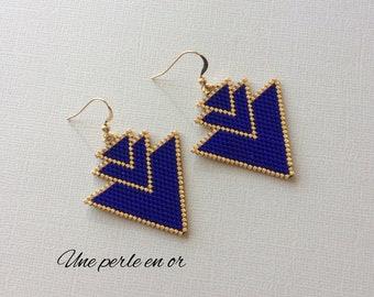 triple triangle earrings / blue and gold miyuki beads / gold plated hook / peyote weave /