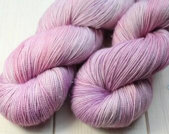 Skein hand dyed superwash Merino, Nylon and Stellina - Fingering - (5/20/75) - 100 g / 400 m - tree