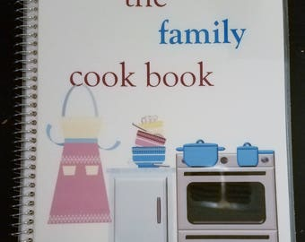 """7""""x8.5"""" The Family Cook Book"""