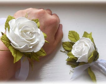 Wrist Corsage Boutonnière Wedding Boutonniere Wedding Corsage Mother of the Bride Father Prom Corsage Bridesmaid White Wedding alternative