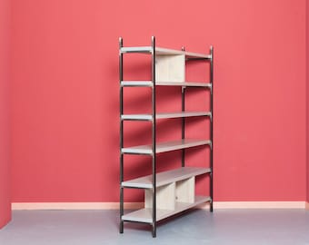 Shelf made of reclaimed wood and iron SUSTEREN ROSA