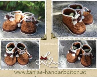 Acorn Baby Booties Crochet Pattern