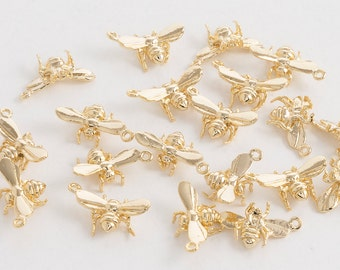 Bee Pendant, Jewelry Craft Supplies, Polished Gold Plated Over Brass - 2 Pieces-[AP0035]-PG