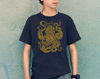 Deep Sea Diver Boys Short Sleeve T-Shirt, Dark Blue and Gold vintage nautical mark v dive helmet and octopus print, sea creature, kids gift