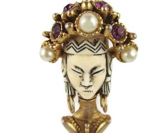 Selro kayan lahwi Pin / Golden Neck Rings Giraffe women/ Selini Thai Girls Brooch /
