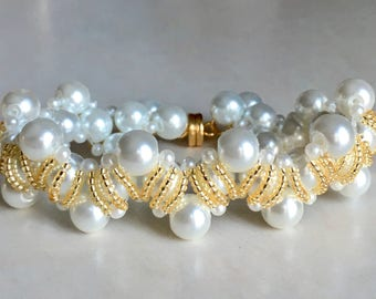 White and Gold Pearly Woven Bracelet 7.5""