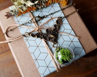 Terrarium Bead Necklace with antique brass detail