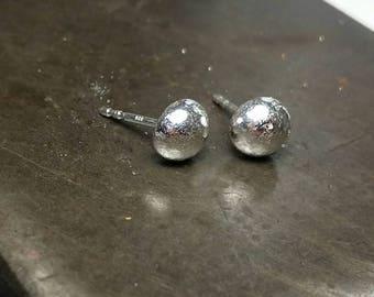 Silver moon ear studs. Round. Silver earrings. Small unisex earrings. Women's, men's. Silver. Pair