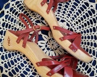 Wooden Sole Bare Traps Sandal