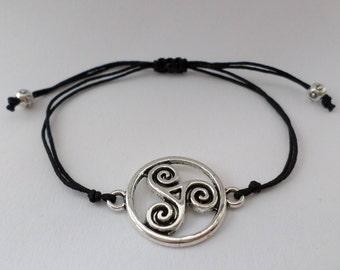 celtic bracelet - triskele